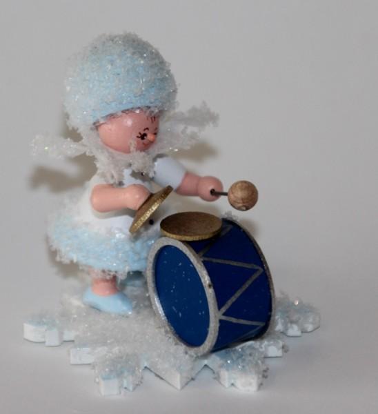 Schneeflöckchen mit Basstrommel