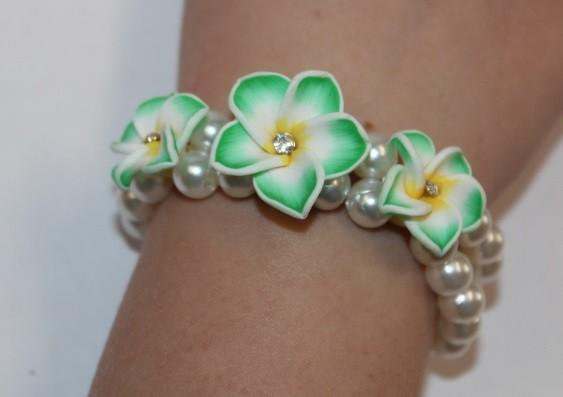 Blüten Armband grün